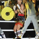 Katy Perry performed in a boxing ring that was placed by Brooklyn Bridge in New York