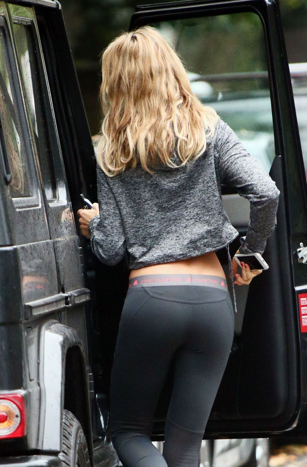 abbey clancy street style shows off her dancer figure