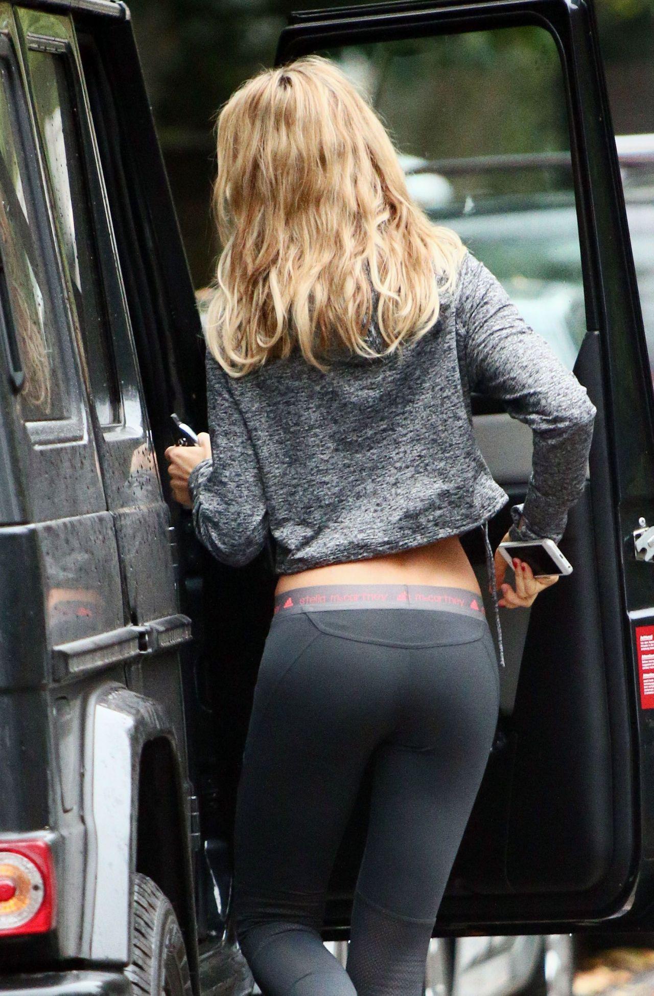 Selena gomez ass bending over - 1 part 1