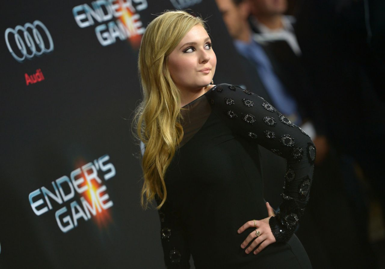 Abigail Breslin at ENDER