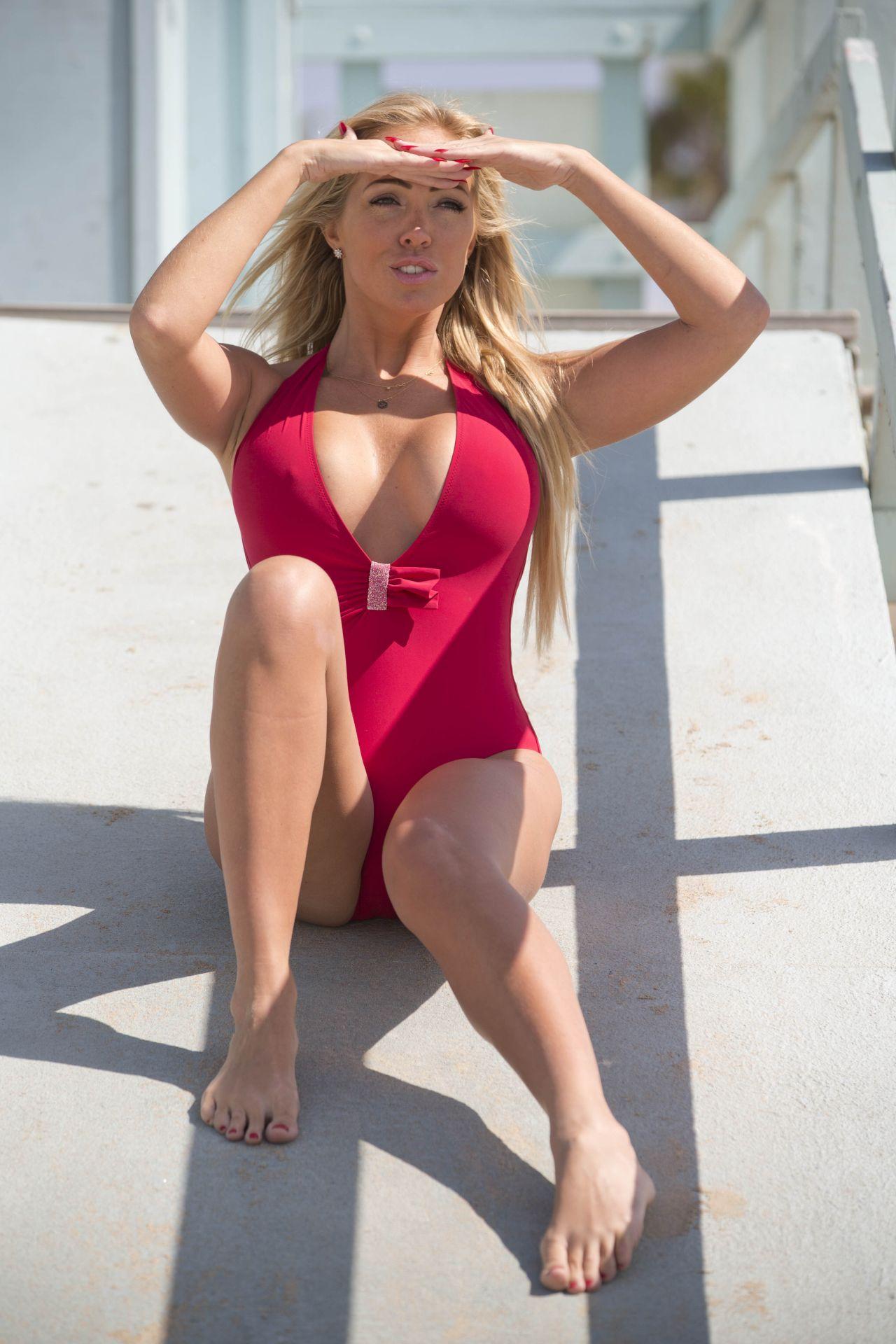 Bikini Aisleyne Horgan-Wallace naked (89 foto and video), Ass, Hot, Twitter, butt 2015