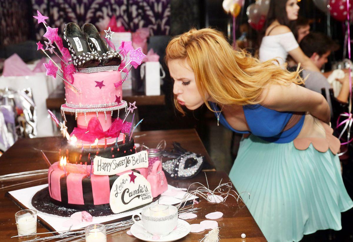 Bella Thorne Celebrates Her 16th Birthday At Stk