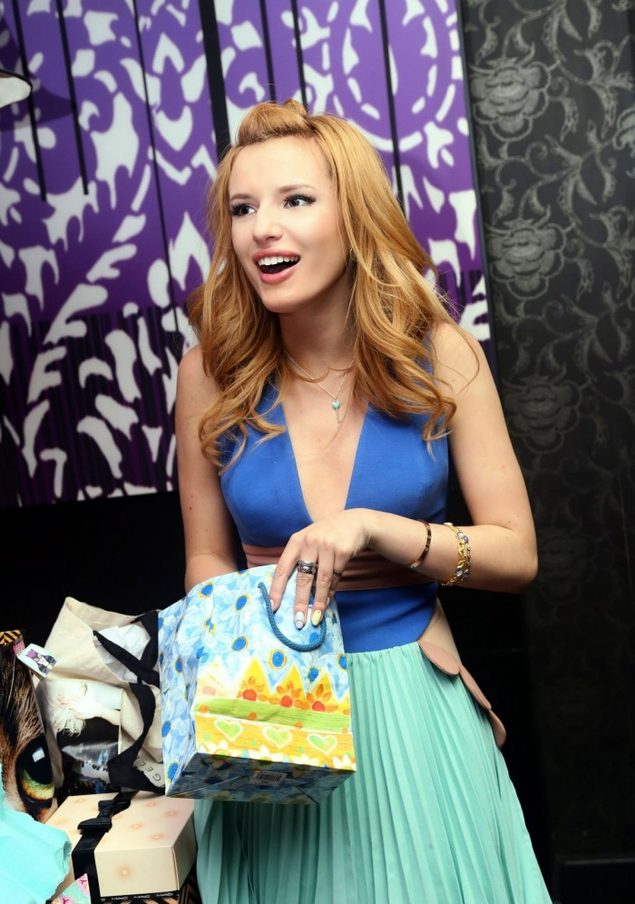 Bella Thorne - celebrates her 16th birthday at STK Restaurant in LA