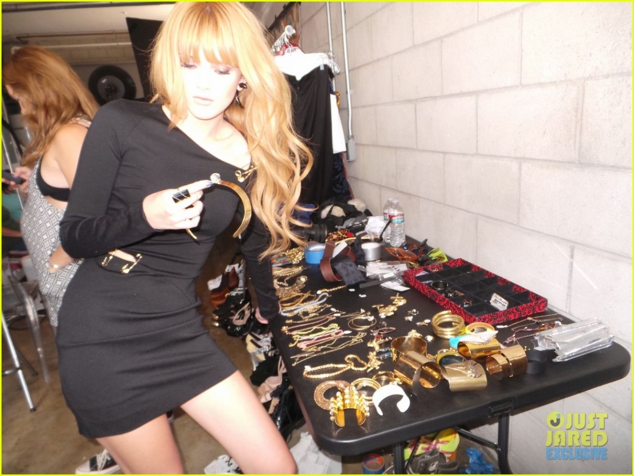 Bella Thorne - MQ Magazine - Behind the Scenes