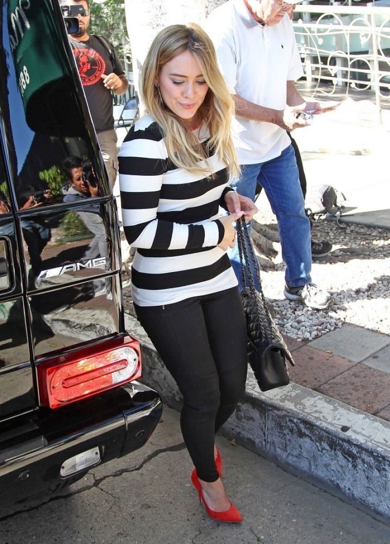 Hilary Duff  Arriving for Lunch in West Hollywood