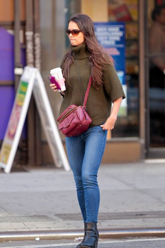 Katie Holmes Street Style - New York - October 2013