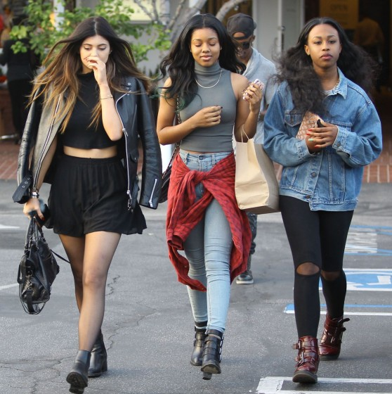 kendall-and-kylie-jenner-street-style-at-fred-segal-in-los-angeles_70