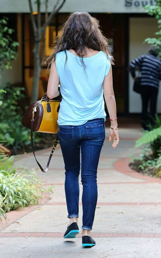 Mila Kunis Street Style - Booty in Jeans, Out in Los Angeles