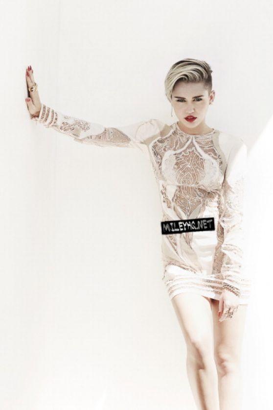 Miley Cyrus In Fashion Magazine, November 2013 Issue