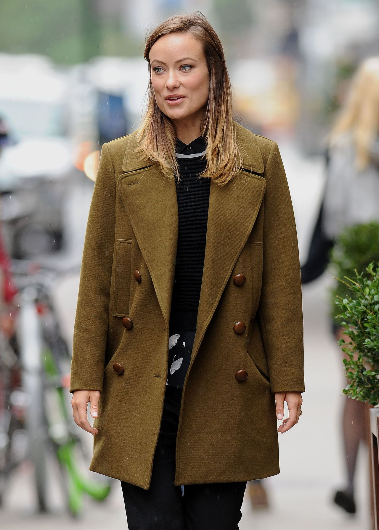 Olivia Wilde Street Style - Caught in a Rain Shower, New York City
