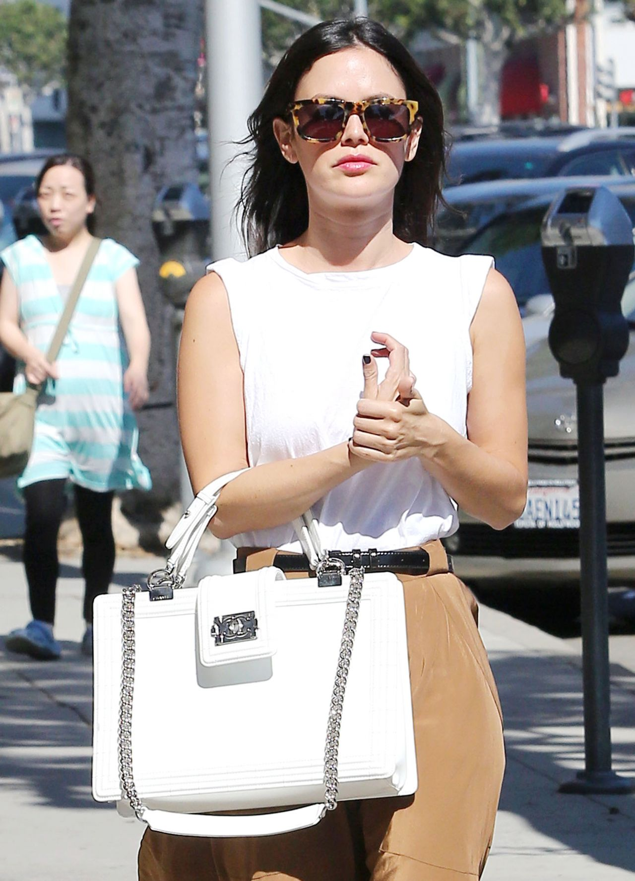 Rachel Bilson at Urth Caffe in Beverly Hills