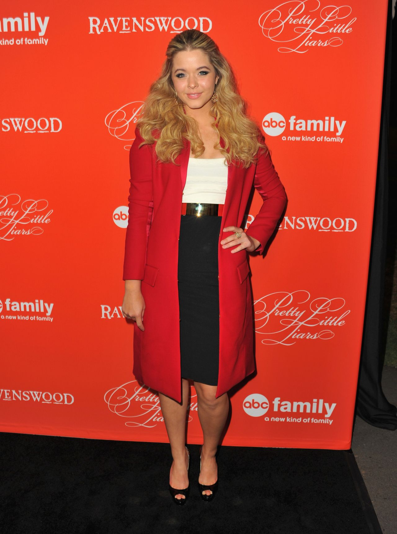 Sasha Pieterse - PRETTY LITTLE LIARS  Halloween Episode