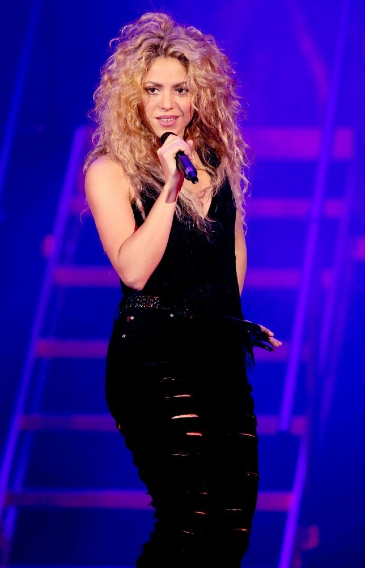 Shakira at the T-Mobil Public Promo Concert in Bryant Park, New York City