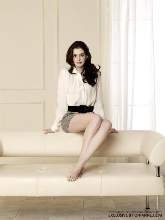 Annea Hathaway Leggy