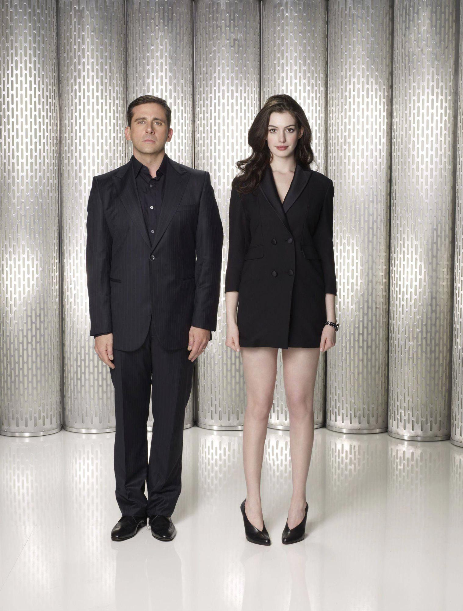 Best Figure In Hollywood Anne Hathaway Leggy in...
