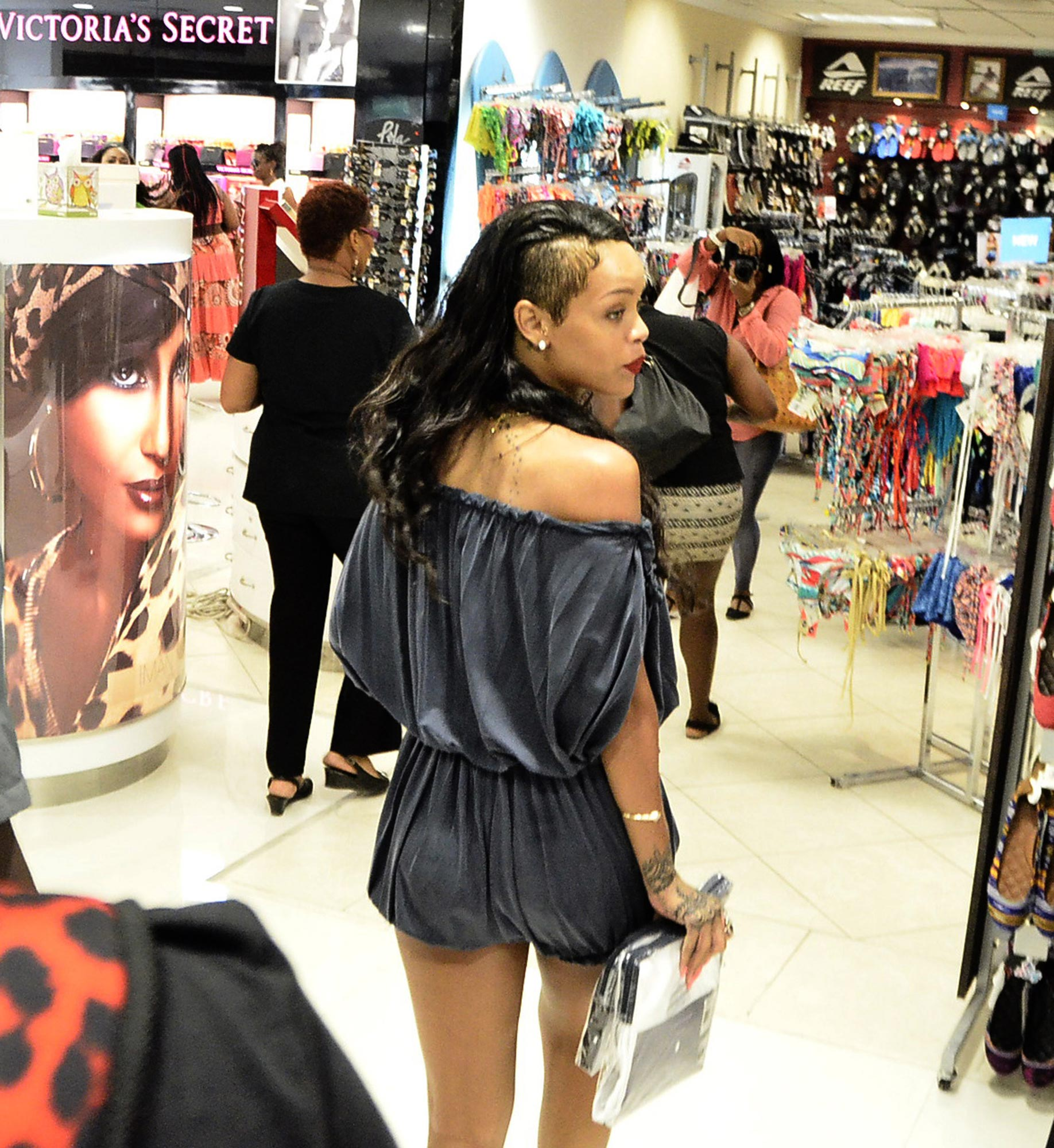 Rihanna Street Style Shopping In Barbados