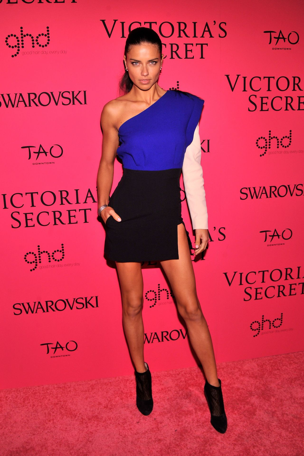 Adriana Lima Red Carpet Photos – Victoria's Secret Fashion After Party in New York - November 2013
