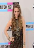 Alicia Silverstone Attends 2013 American Music Awards