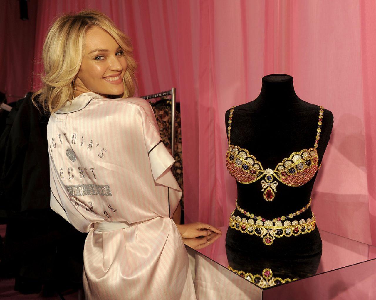 Candice Swanepoel Victorias Secret Fashion Show Backstage