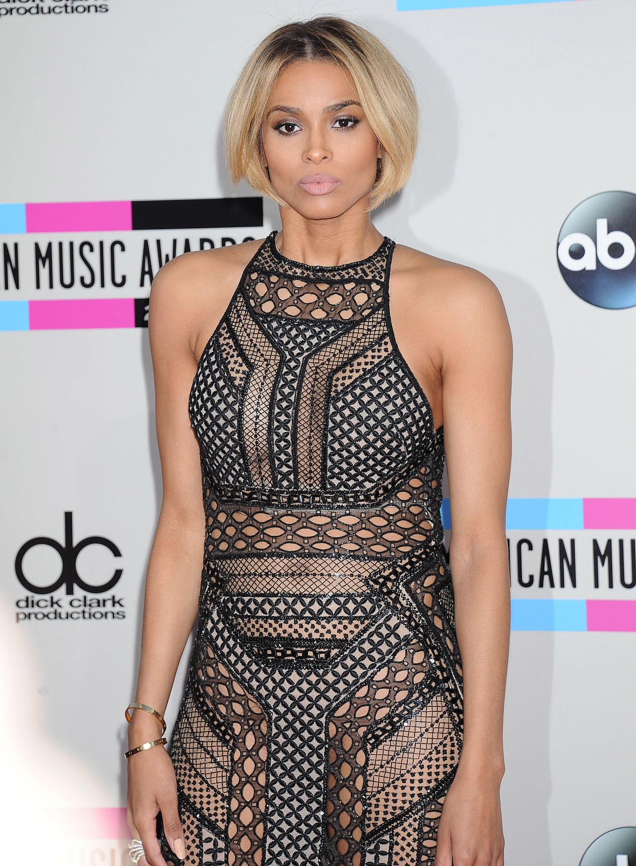 Ciara Red Carpet Photos - 2013 American Music Awards in Los Angeles