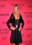 Doutzen Kroes on Red Carpet - Victoria's Secret Fashion After Party