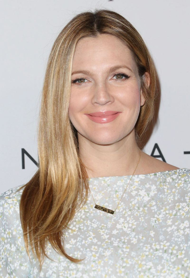 Drew Barrymore on Red Carpet - 2nd Annual Baby2Baby Gala