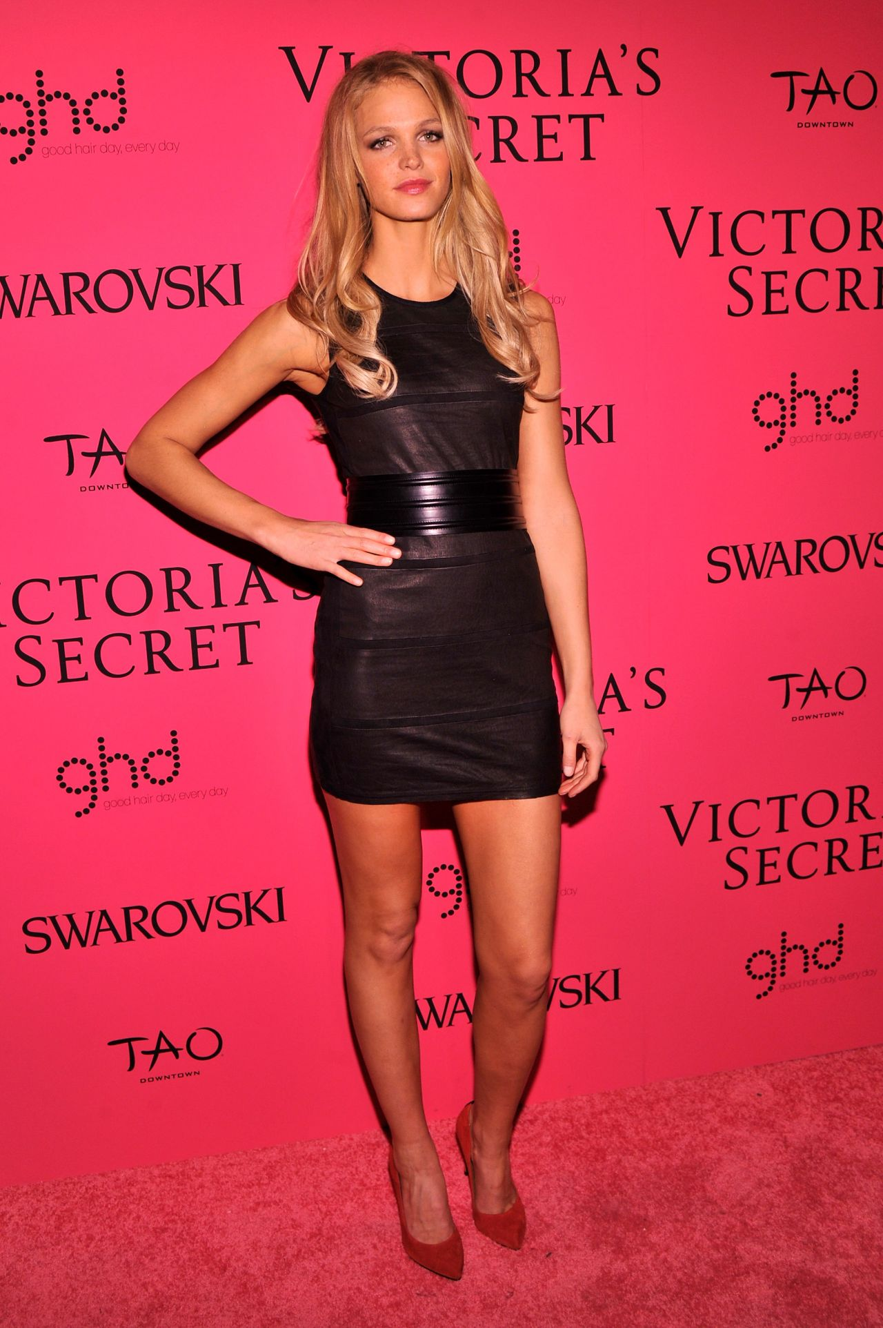 Erin Heatherton Red Carpet Photos – Victoria's Secret Fashion After Party