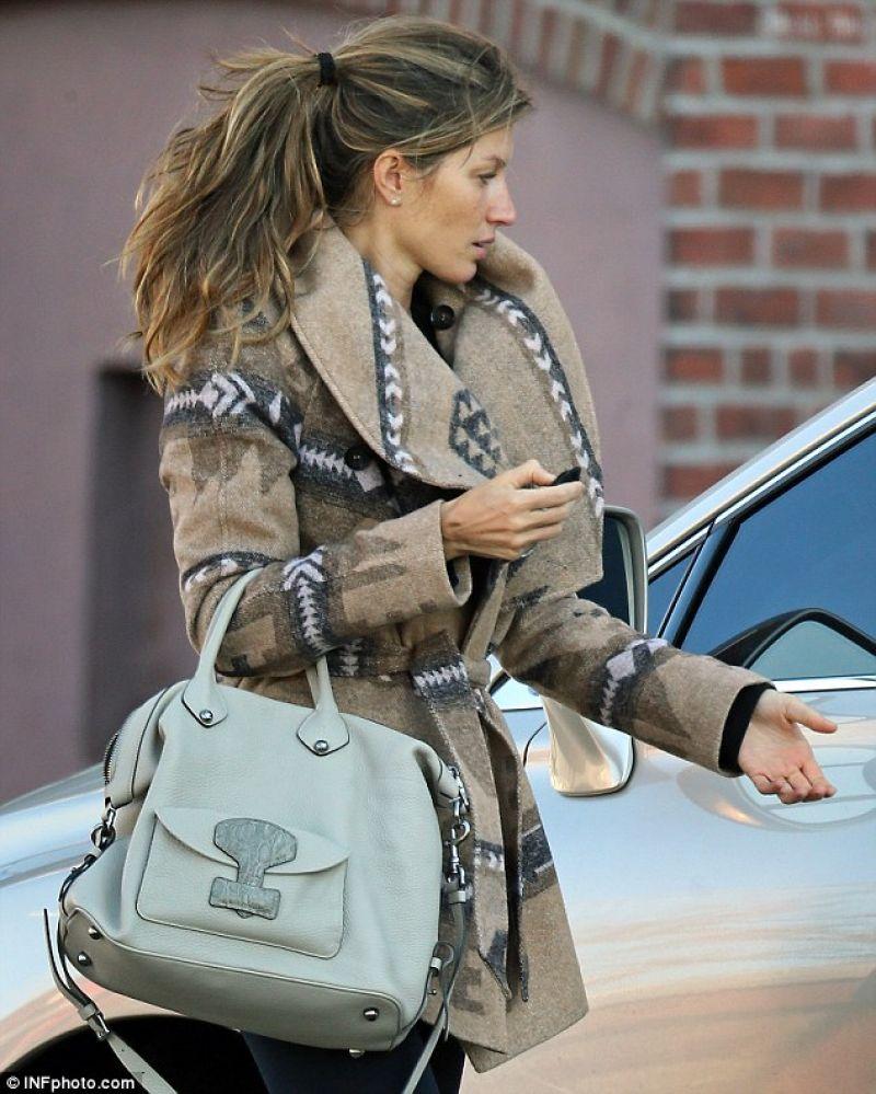 November 2013: Gisele Bündchen Street Style
