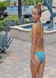 Hayden Panettiere - Bikini Wallpapers (+5)