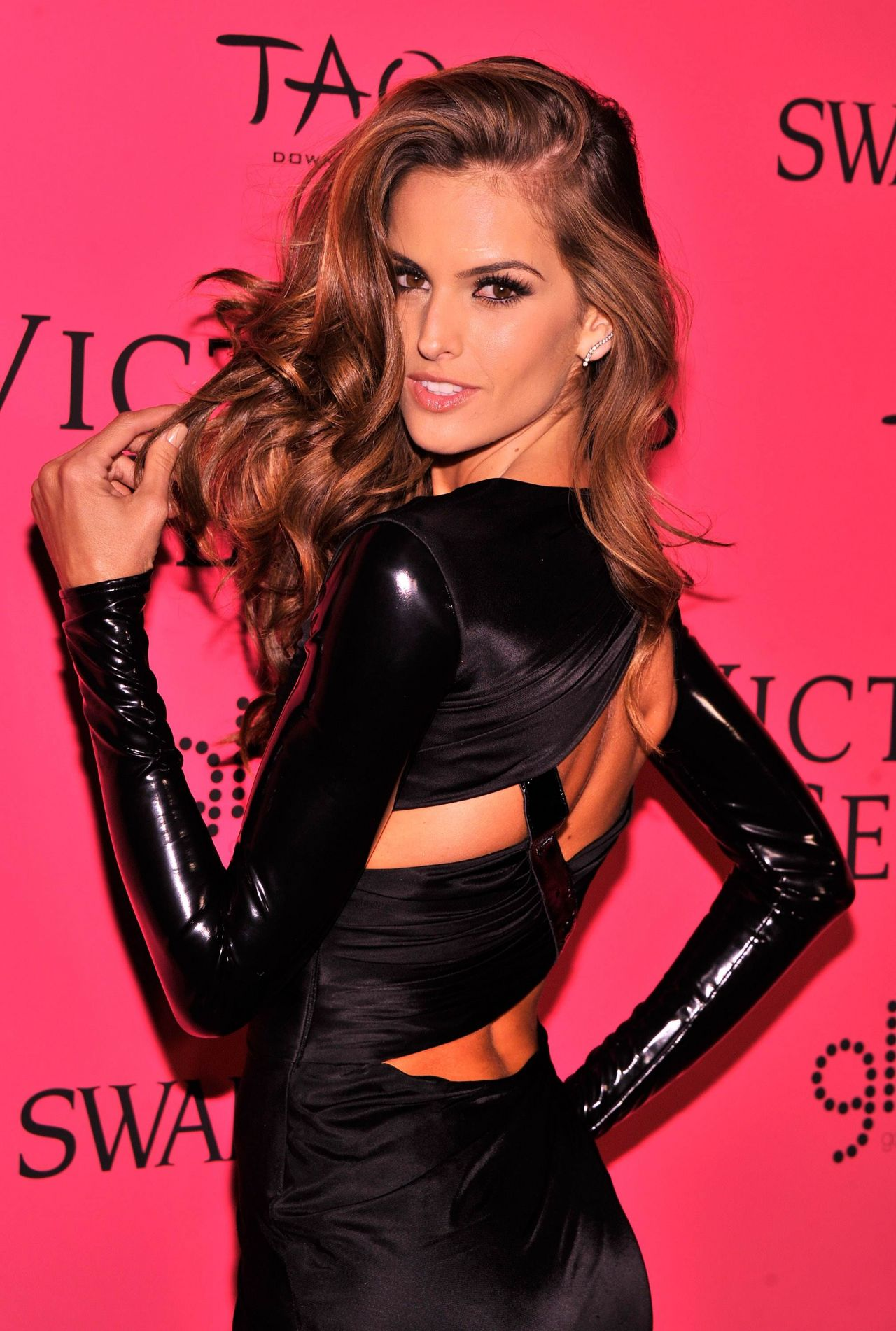 Izabel Goulart at Victoria