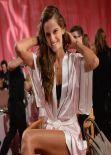 Izabel Goulart - Backstage Victoria