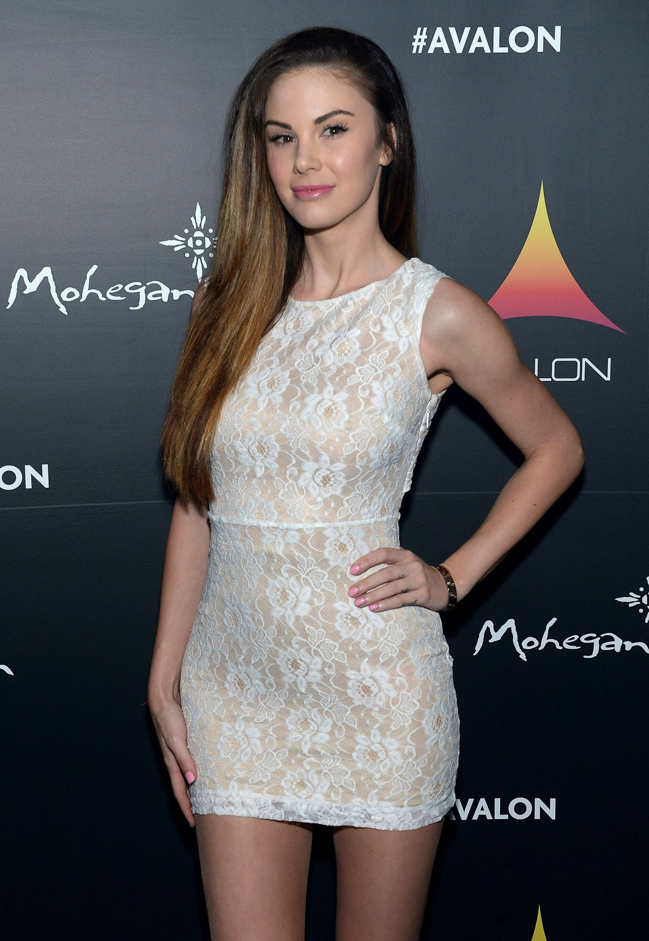 Jayde Nicole Attends Avalon Mohegan Sun Grand Opening in Uncasville City