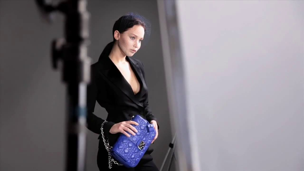 Jennifer Lawrence for Dior - The Making of the Miss Dior Bag ad campaign - Video - Gif - Photos