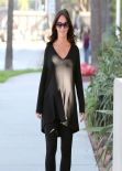 Jennifer Love Hewitt Street Style - in Los Angeles - November 2013