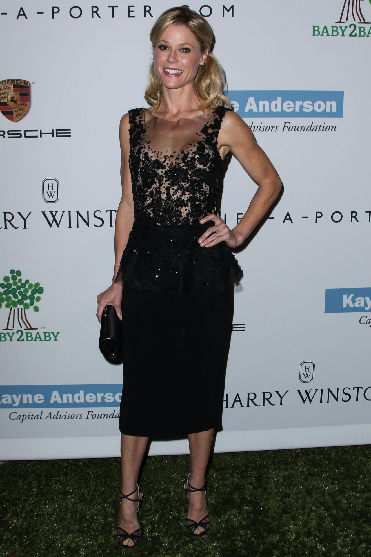 Julie Bowen Attends Second Annual Baby2Baby Gala in Culver City