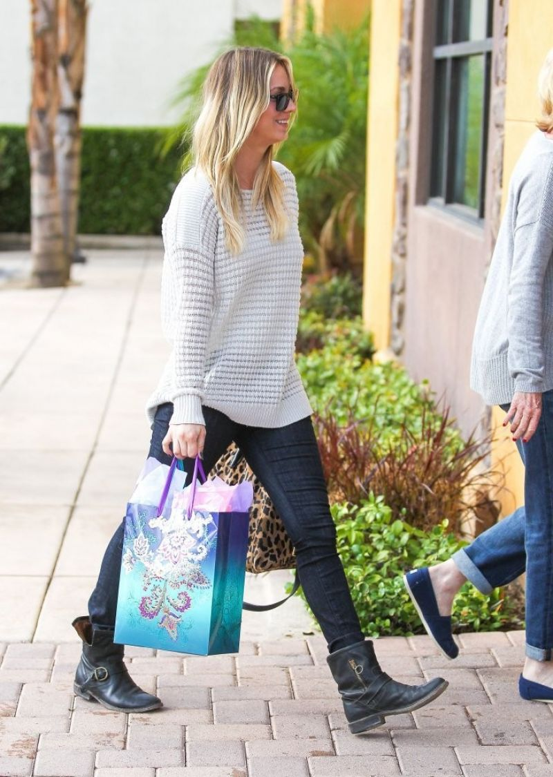 Kaley Cuoco Street Style - Out in Los Angeles - November 2013