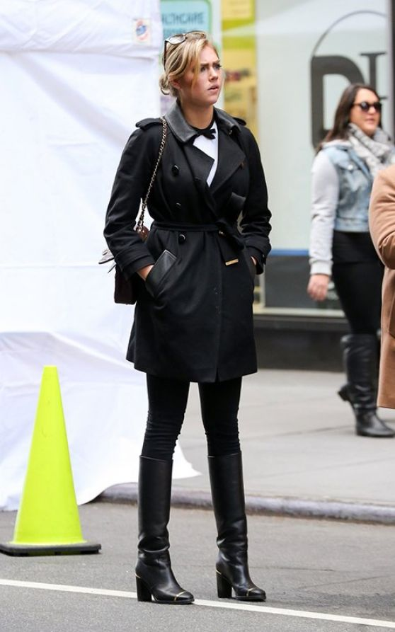 Kate Upton Street Style Out In New York City November 2013