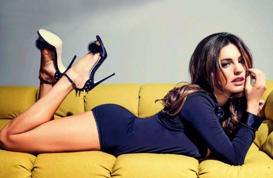 kelly-brook-fhm-magazine-france-november-2013-issue_6