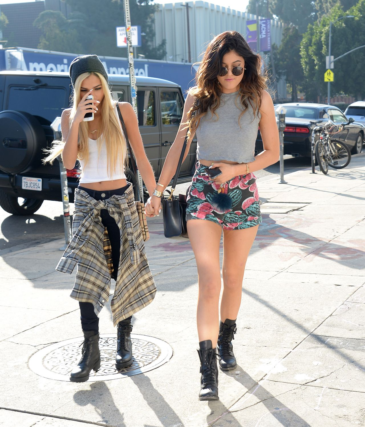 Kendall Jenner And Kylie Jenner Style Out In Los Angeles