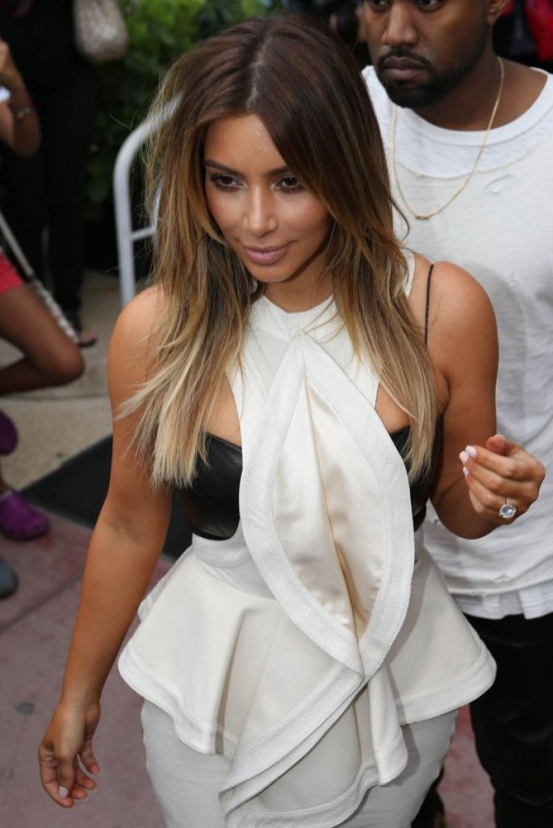 Kim Kardashian Street Style Shopping In Miami November
