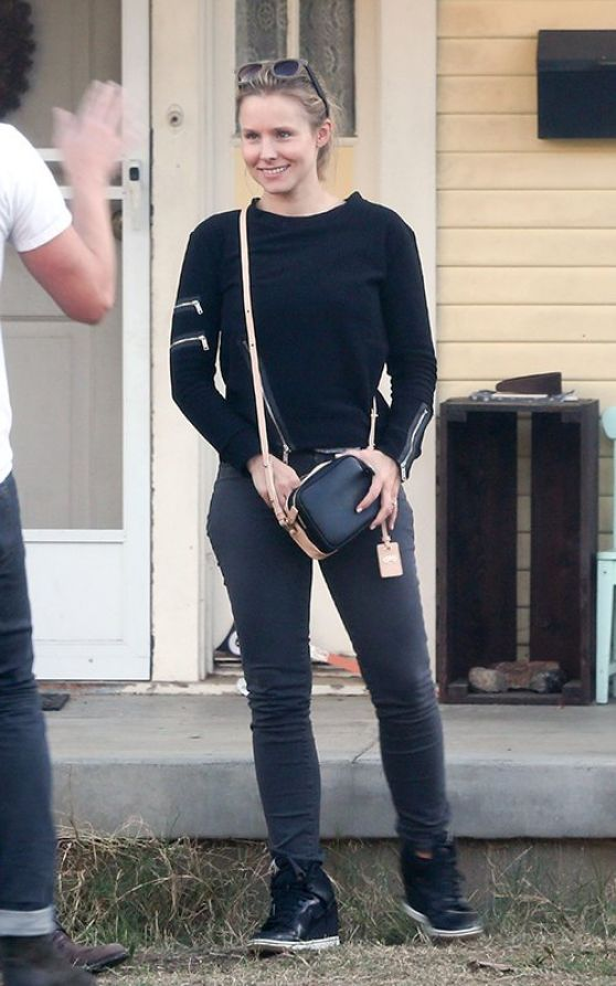 kristen bell in jeans out in los angeles november 2013