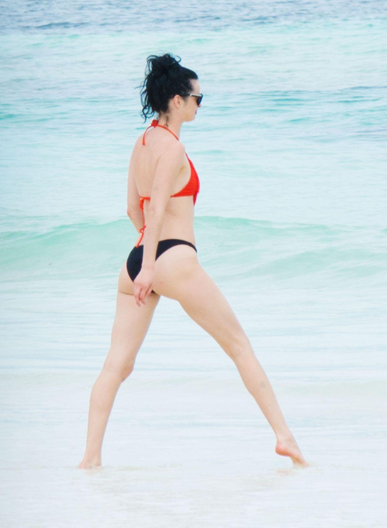 Sideboobs Bikini Rebecca Benson  nudes (65 fotos), 2019, in bikini