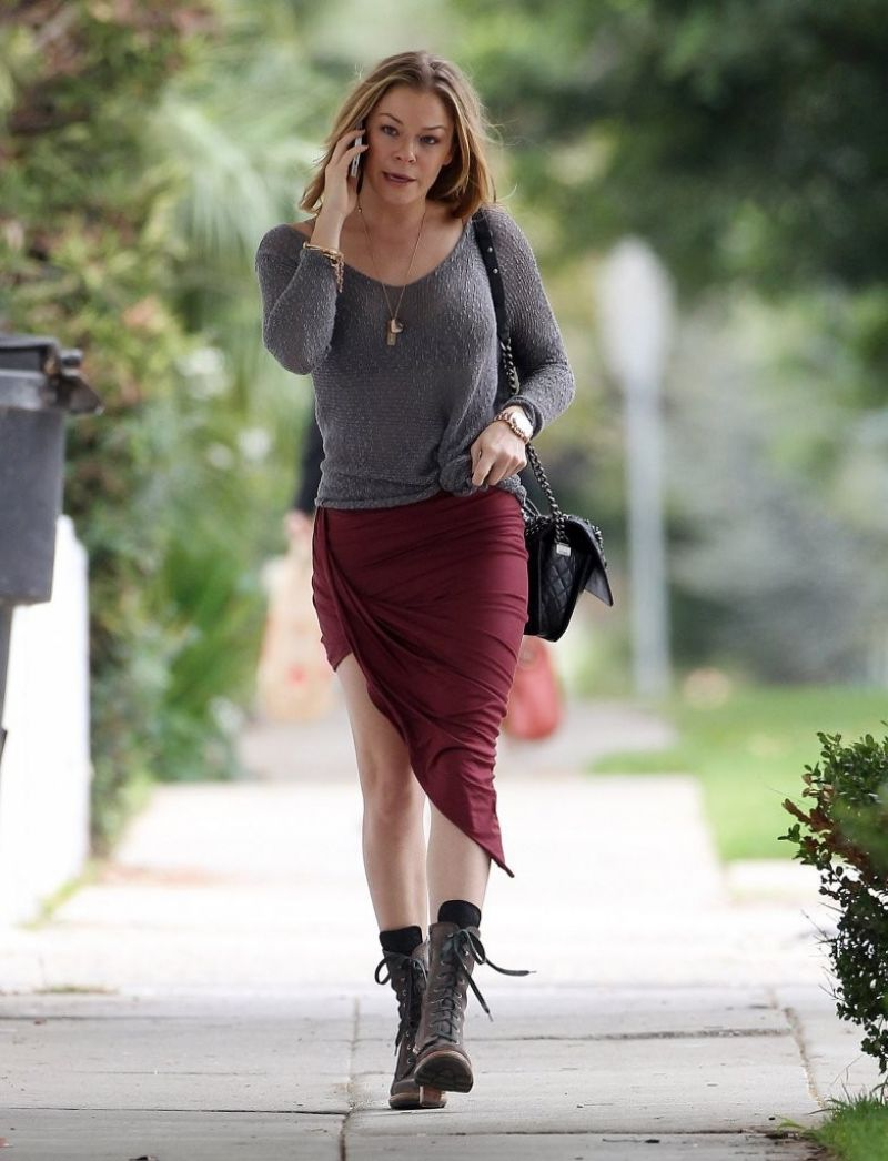 LeAnn Rimes Street Style - Out in Santa Monica - November 2013