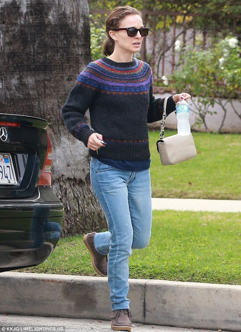 Natalie Portman Casual Style - Out in West Hollywood ... анджелина джоли