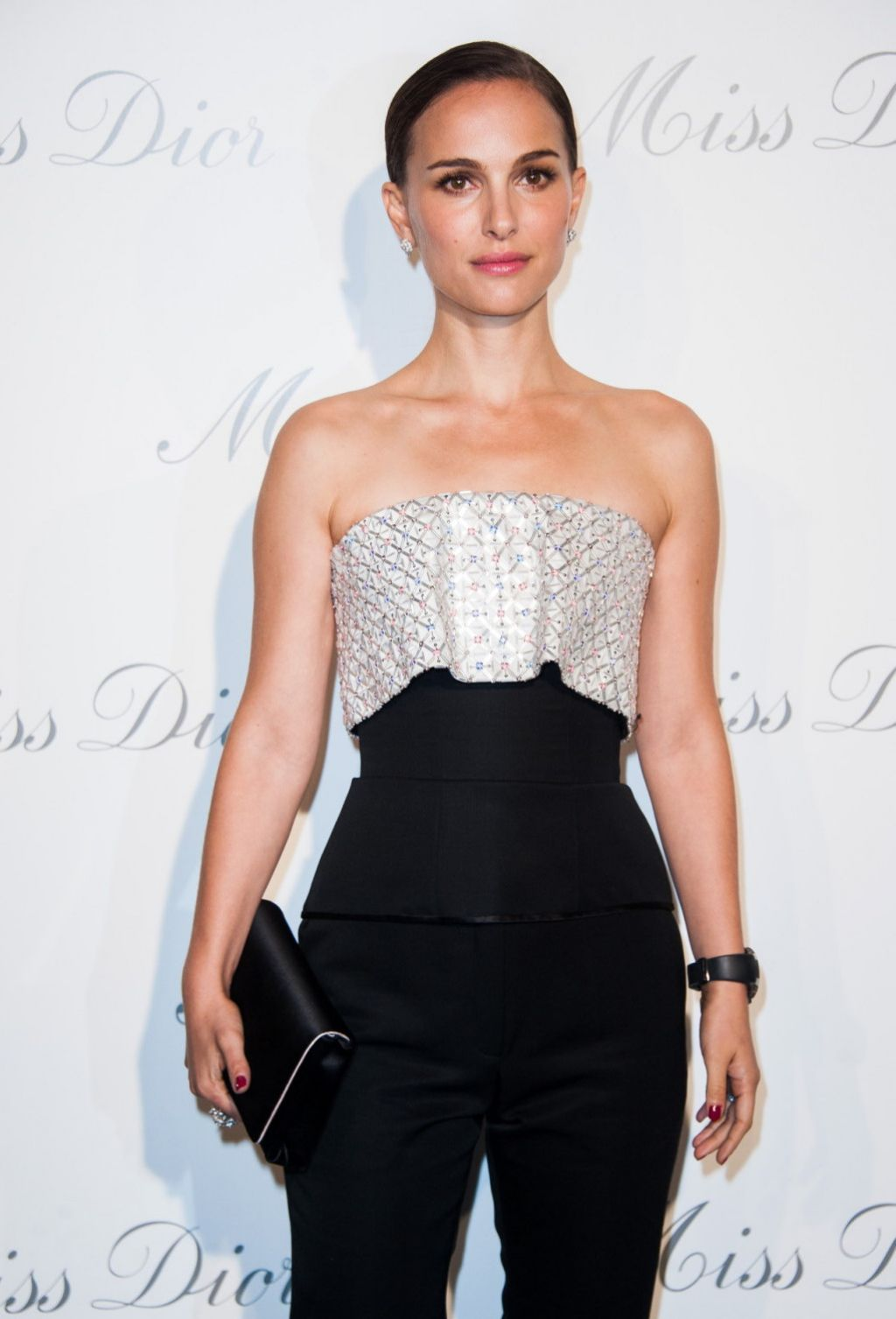 Natalie Portman - Esprit Dior, Miss Dior Exhibition Opening Photocall in Paris