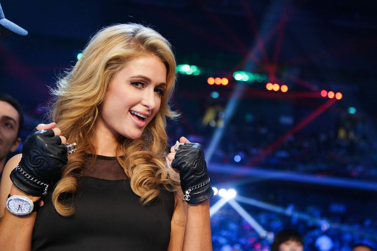 Paris Hilton at Manny Pacquiao of the Philippines fight with Brandon Rios - November 2013
