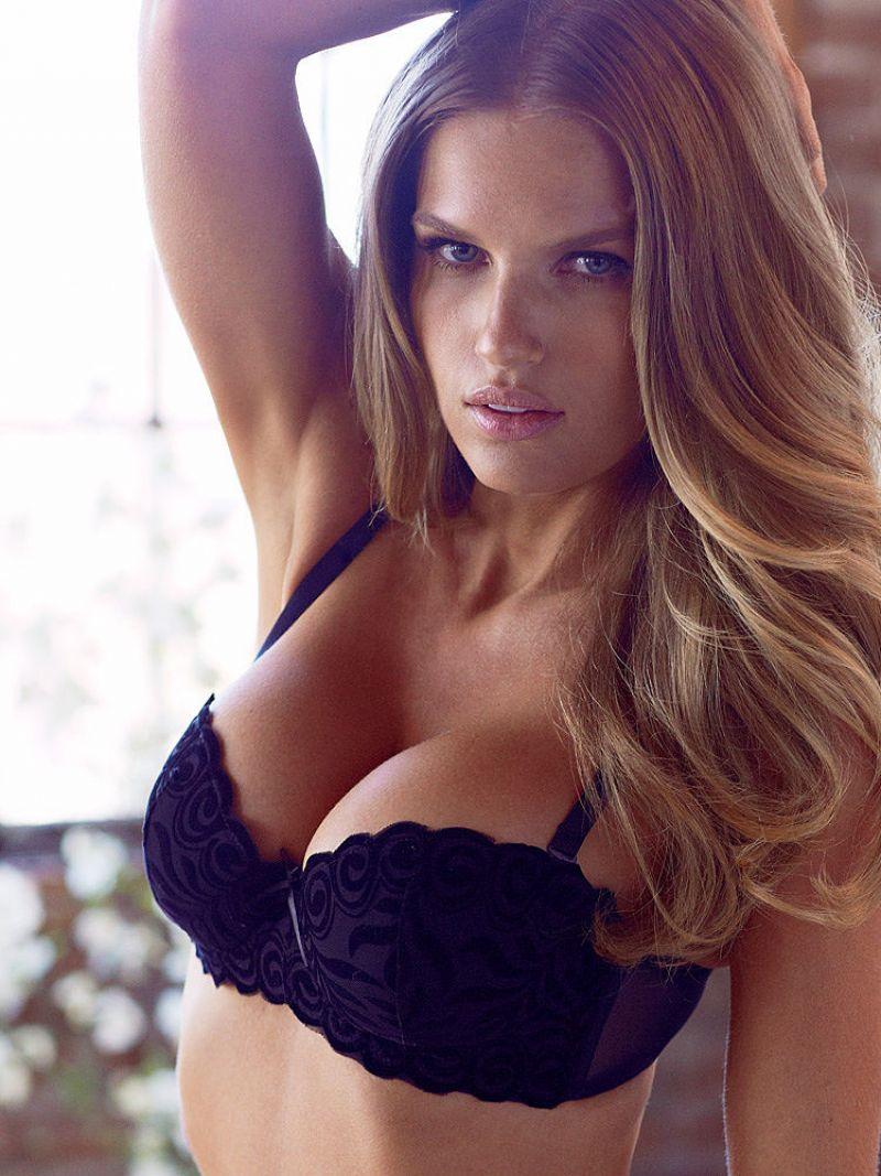 Rachel Mortenson - Sets, Bra, Bikini Photos: http://celebmafia.com/rachel-mortenson-sexy-sets-bra-bikini-photos-10404/