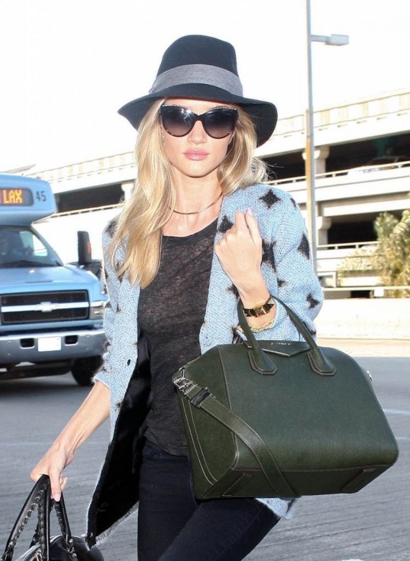 Rosie Huntington-Whiteley - Arriving to LAX Airport