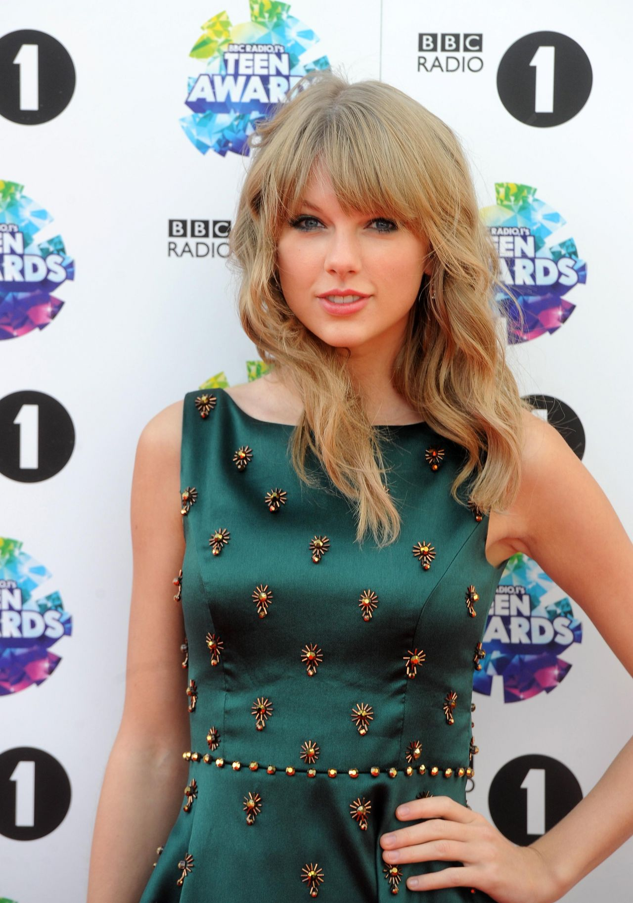 Taylor Swift On Red Carpet - Bbc Radio 1 Teen Awards In London-8795