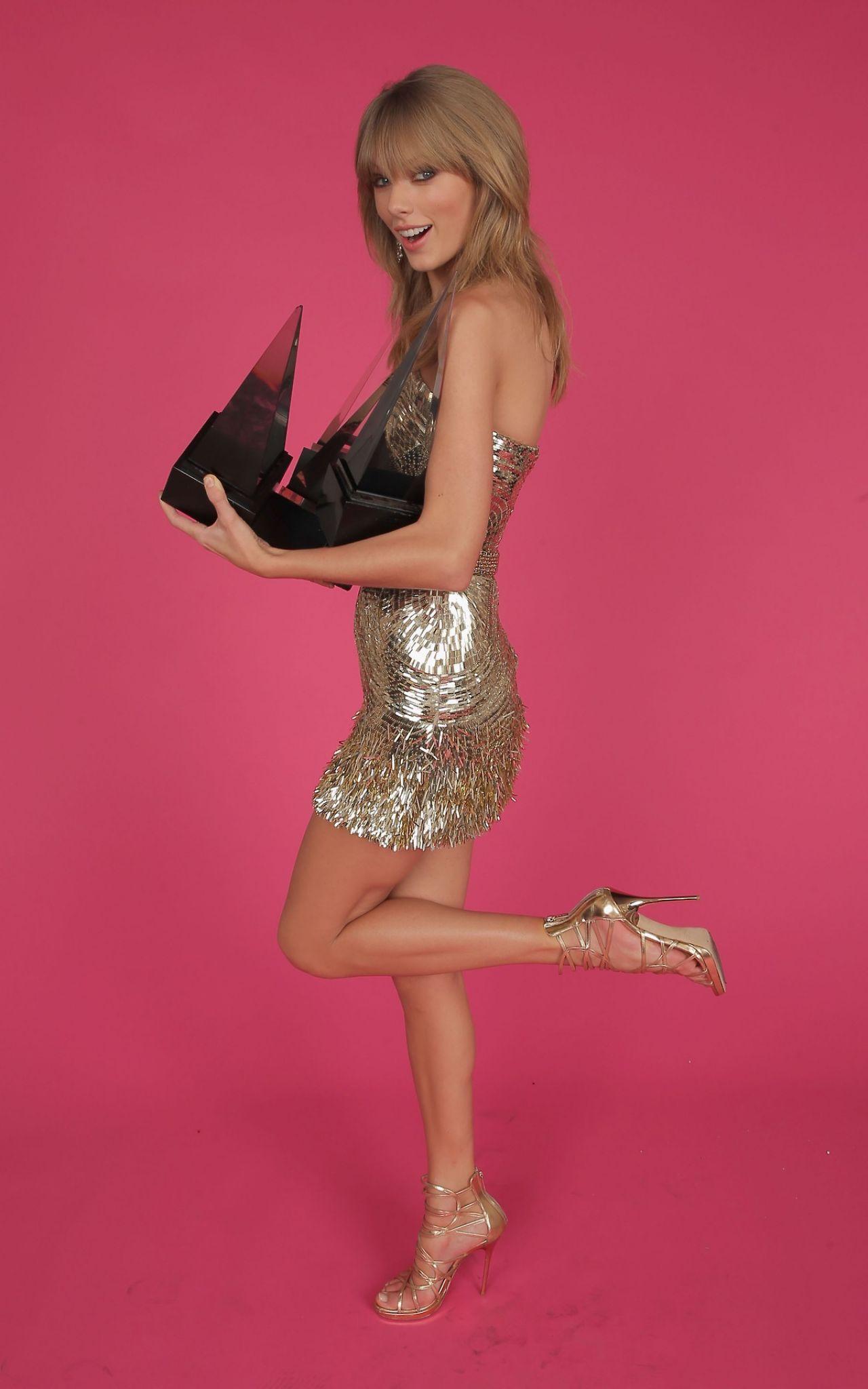 Taylor Swift Photoshoot - 2013 American Music Awards Portraits-1518